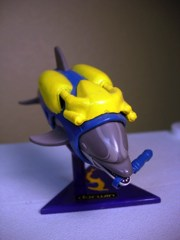 Playmates seaQuest DSV Darwin the Dolphin Figure
