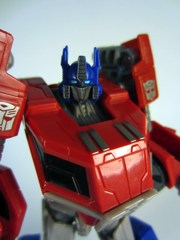 Hasbro Transformers Generations Fall of Cybertron Optimus Prime