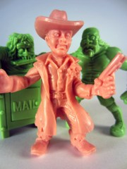Jakks Pacific S.L.U.G. Zombies Macho Mangler, Flesh-Eatin' Phil, Buck Wilde Minifigures 3-Pack