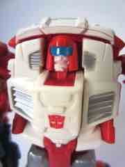 Hasbro Transformers Generations Thrilling 30 Swerve with Flanker