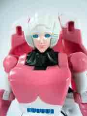 Hasbro Transformers Generations Thrilling 30 Arcee