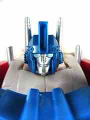 Hasbro Transformers Generations Combiner Wars Ultra Magnus