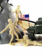 Tim Mee Toys Tan vs. Green Soldiers Bucket Figure Set
