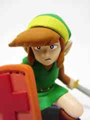 Medicom Nintendo Series Legend of Zelda Link Ultra Detail Figure