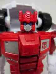 Hasbro Transformers Generations Combiner Wars First Aid