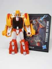 Hasbro Transformers Generations Titans Return Autobot Wheelie