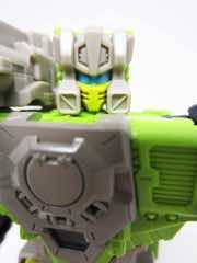Hasbro Transformers Generations Titans Return Hardhead