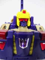 Hasbro Transformers Generations Titans Return Blitzwing