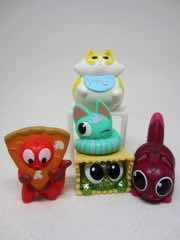 Hasbro Lost Kitties Multipack 01 Pixie Purrs, Cheesy, Stuffs, Specks, and Totes Action Figures