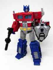 Hasbro Transformers Generations War for Cybertron Siege Optimus Prime Action Figure