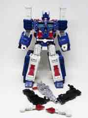 Transformers Generations War for Cybertron Siege Ultra Magnus Action Figure