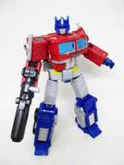Hasbro Transformers Generations War for Cybertron Earthrise Leader Optimus Prime Action Figure