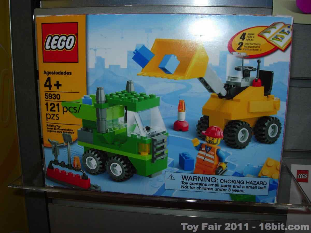 toy fair coverage of lego creator from adam pawlus. Black Bedroom Furniture Sets. Home Design Ideas