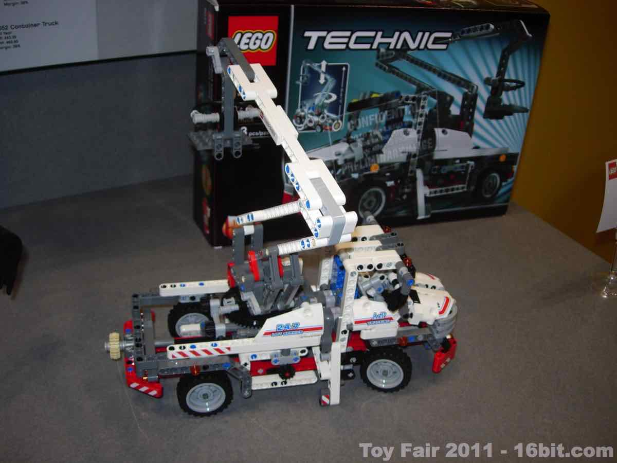 16bitcom Toy Fair Coverage Of Lego Technic Action Figures And Toys